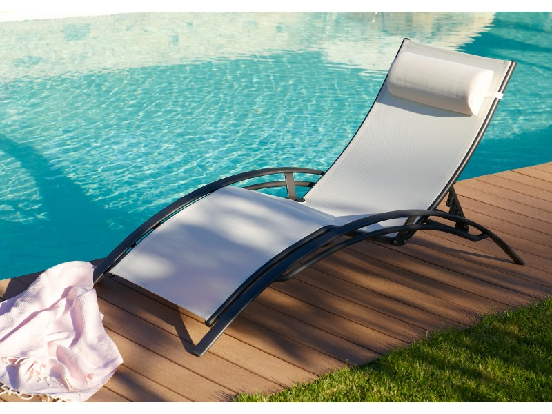 chaise longue mulit positions aluminium blanche. Black Bedroom Furniture Sets. Home Design Ideas